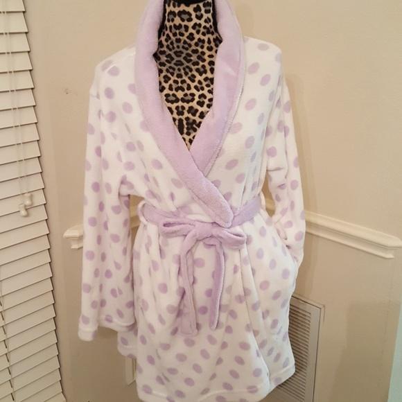 Super soft purple white polka dot short robe S M. M 5a83aaa62ae12fce6df85f1a 954b27f5a